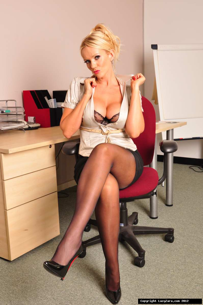 Office_Lucy_1