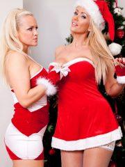 Sexy_Santas_2