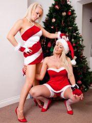 Sexy_Santas_4