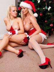 Sexy_Santas_9