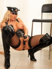 lucy_latex_cop_11