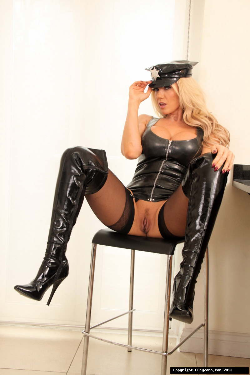 lucy_latex_cop_2