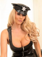 lucy_latex_cop_3