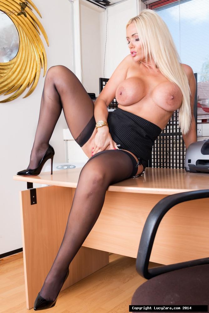 Office_Girl_13